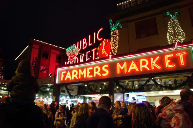 Kick Off the Holidays with Magic in the Market