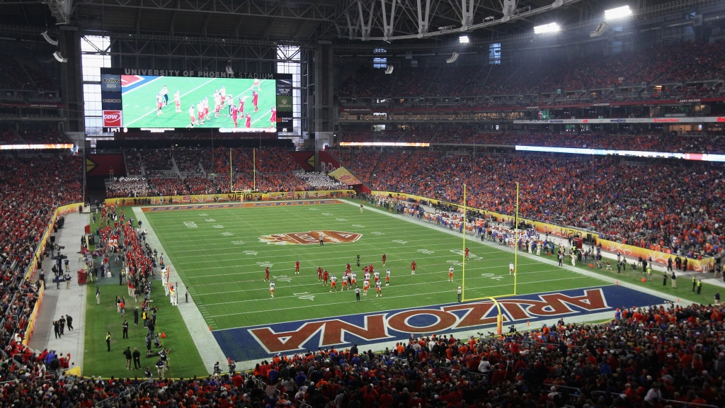 Officials Grappling Whether To Play Super Bowl With Roof