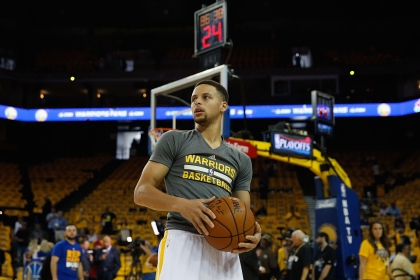 OAKLAND, CA - APRIL 18: Stephen Curry #30 of the Golden State Warriors warms up before Game Two of the Western Conference Quarterfinals during the 2016 NBA Playoffs at ORACLE Arena on April 18, 2016 in Oakland, California. NOTE TO USER: User expressly acknowledges and agrees that, by downloading and or using this photograph, user is consenting to the terms and conditions of Getty Images License Agreement. (Photo by Lachlan Cunningham/Getty Images)