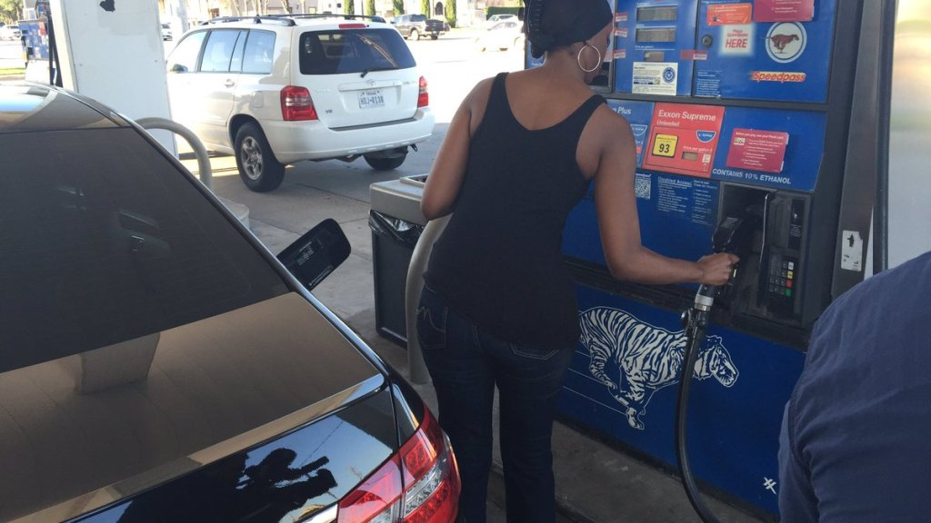 Crooks Using Bluetooth To Steal At Gas Pumps