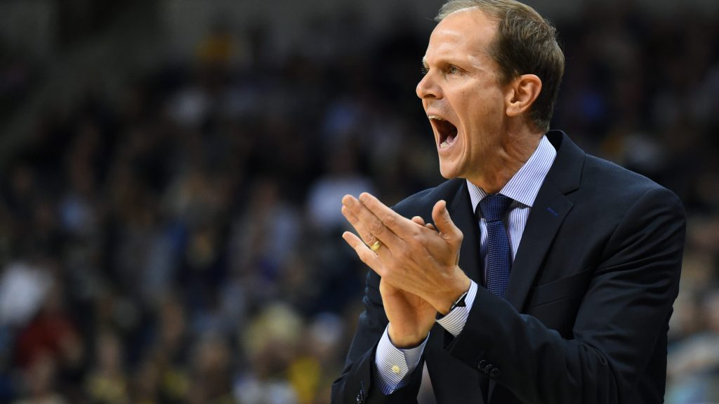 All New At Washington Under First-Year Coach Mike Hopkins
